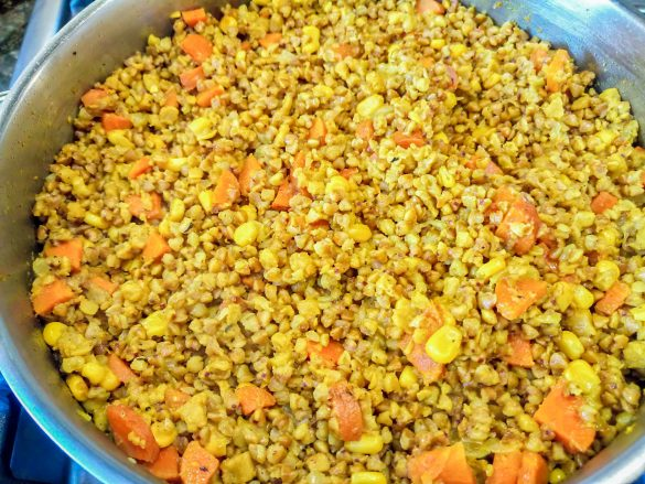 Yellow buckwheat with ground soy and veggies